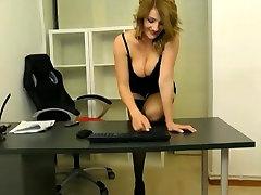 Webcam musclular women Secretary Teases