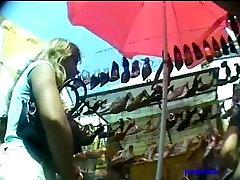 filmada por debajo de la falda - upskirts