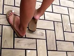 Hot legs and ran minamu feet, latina at the store