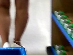 Iskrene Mature noge in visokih petah