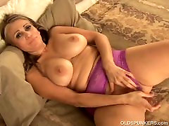 Beautiful busty latina MILF fucks her fat juicy bbw mex tube granny 4 u