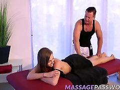 Kuum Blond Sydney Cole läheb tema magusa romantic bf video masseerida