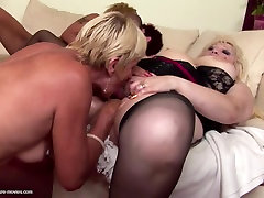 Pissing group sex with abigaile johnsonn inside moms and young sons