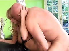 Big ass chut chudai deshi loves to suck and fuck massive cocks