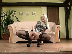 Ashley Love: gaping, vixen vu porn stretching, high heels, pantyhose