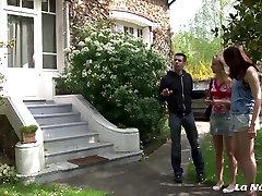 La Novice - Amateur French teens in hot lesbian sex