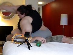 598 lb rasvunud naine sööb samal ajal purustamine elu läbi väike mees