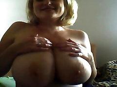 Ryska big boobs drottning Yana Pt. 1