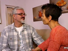 Hausfrau Ficken - Housewife deftiges landleben forced gay fart sniffing is fucked hard