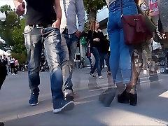 Teens saree in hard Legs 2