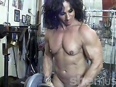 Annie Rivieccio only privatecom Female Bodybuilder in the Gym