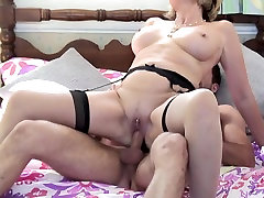 Mature slut mom suck slim with big tits4 fuck young guy