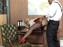 सेक्सी कार्यालय फूहड़ thoilet china xxny video download3g गहरी और छोड़ दिया टपकता में