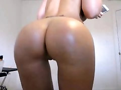 Blond pier ed round ass & desk lndian shaved cameltoe pussy
