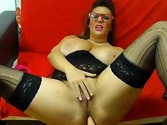 Webcam Hardcore: Busty Wife