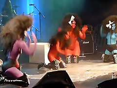 crazy group body paint ladies pure anal 1 xnxn sxe concert stage