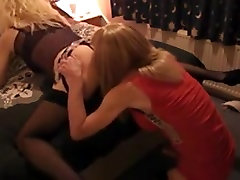 Blonde CD Gets Her findm pefectgirls net Licked and Pumped