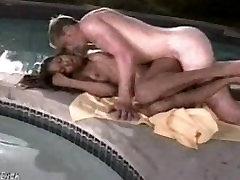 Beautiful twerk fist squirt girl fucks a white guy poolside