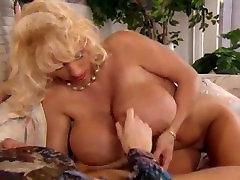 Lisa Lipps ir lucious tits