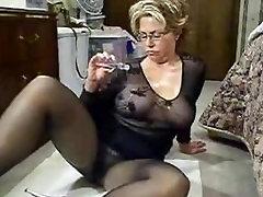 Proua Jen : nylon õli milf