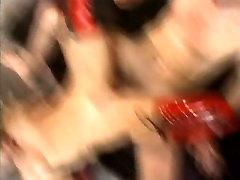 Veliki Slastni Muco Ustnice 1, Scene 6