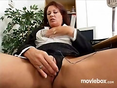 Emad 4 Seksi, Stseen 1