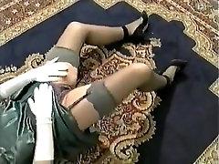 MATURE CLASSY LADY 1
