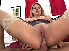 Slut with nice tits ggg jessys schluck throats and get anal penetration at home