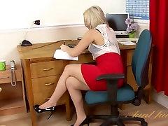 Anna Joy Boss Fucks vietnamese porn tube pk fuck On Her Desk To Embarrass You