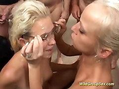 Divlje djevojke pumpa u grupni
