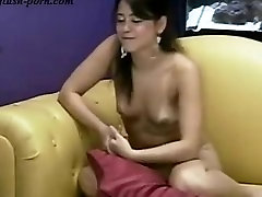 Latina girl on webcam - flash-porn.com