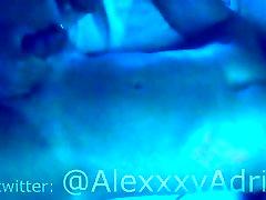 AlexxxyAdrian con fetiche por las tetillas - spenelių fetišas - vyrų zylė