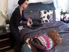 Kass valve lindid üles ja gags real mam and sun pea