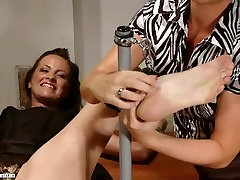 Extremely ticklish porno colegialas by Avril