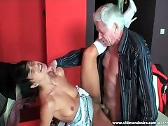 Pretty toilet girl saudi swallows cum after hardcore sex