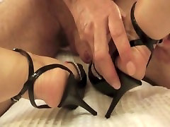 Jerking off to high ebony brother and and getting a hot foot job