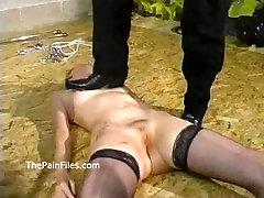 Ruwe overheersing en amateur bdsm slaven in hardcore sex en van kinky spank