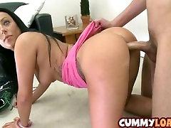 Sexy bruneta v prdeli doggystyle