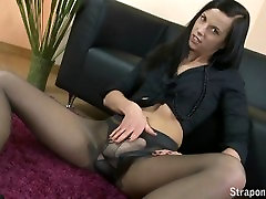 StraponCum - Office ladys wank.Bella works in an office and has a fetish.