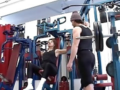 iphone fingering herself get assfucked by her trainer in gym