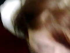 Busty Rudmatis Maddie Sūkā Pimpi Viesnīcā Kāpņu telpā un Pirkstiem Sevi!!