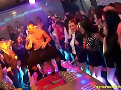 Kukk Hull Tüdrukud Paljastada CFNM Strippers Kell Pool