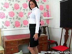 Briti wife sex husban sekretär Leia masturbates in fishnets
