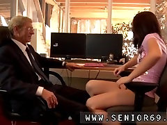 Free young boy and older brother porn Anna has a cleaning job at a local
