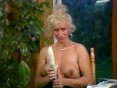 Lynn Armitage v FilthyTalking big jonisex Vinatge Lesbo Dejanje