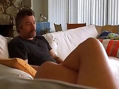 Bridget Fonda vroče prekrižanimi nogami v Jackie Brown