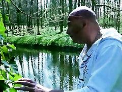 Perv seachnana namamiya puisis jāšanās viņa jauno kaimiņu dārzā