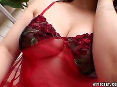 Risako Shirai: Sexy Japanese caught unawares Uncensored JAV