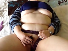 Amateur fb porntape masturbating with a vibrator