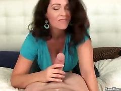 Busty amateur mom jyi blowjob